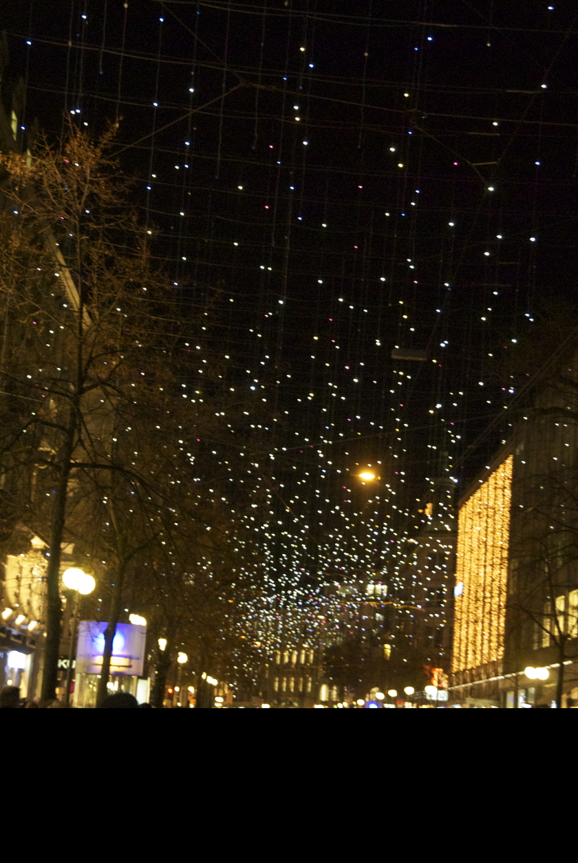 Zürich Weihnachtsbeleuchtung.Weihnachtsbeleuchtung Bahnhofstrasse Zürich Lucy In The Sky With